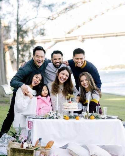 Bahagianya Potret Keluarga Kecil Acha Septriasa Setelah Menjadi Permanent Residents Australia!