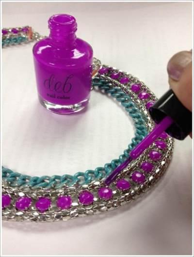 Ubah Warna Perhiasan Dengan Kutek