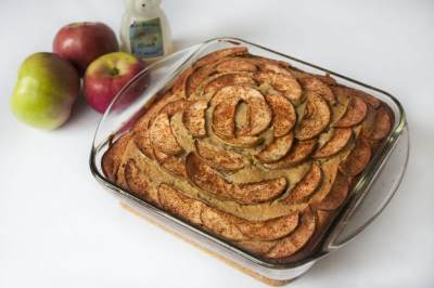 2. Apples and Honey Cake