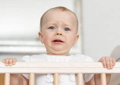 Moms, Ketahui Ciri-Ciri Bayi yang Mengalami Separation Anxiety