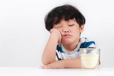 4. Anak Susah Makan dan Minum Susu