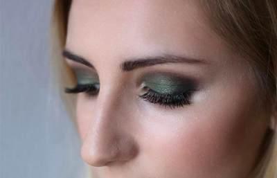 1. Cara Make Up Sederhana Tapi Elegan
