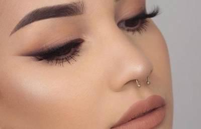 4. Make Up Sederhana Sehari-hari