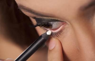 5. Cara Ber-Make Up Sendiri