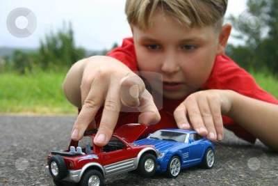 Manfaat Mainan Mobil-mobilan Anak