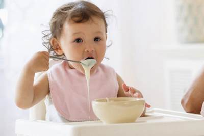 Table Food: Daftar Makanan Bayi 8 Bulan yang Tepat Agar Tumbuh Sehat dan Cerdas