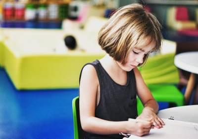 Ciri-ciri Anak Cerdas di Usia 4 Tahun