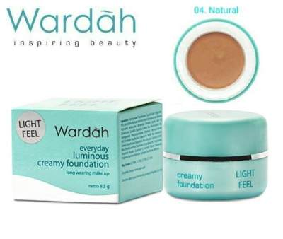 Wardah Light Feel Foundation