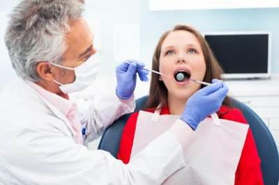 Kenapa Ibu Hamil Perlu Ke Spesialis Dokter Gigi?