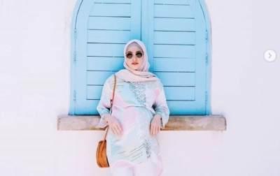 Hijab Polosan Ala Zaskia Sungkar dan Natasha Rizki, Modis Banget! Ini Tutorial Hijab Ala Keduanya