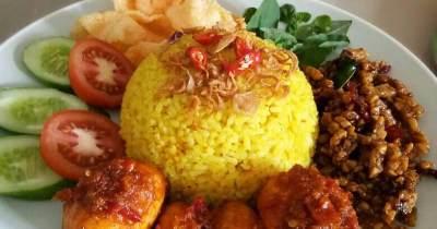 Bikin Nasi Kuning Anti Ribet, Ini Dia Resep Sederhana yang Bisa Dicoba