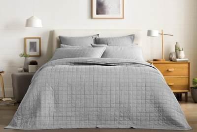 Bikin Tidur Lebih Nyaman, Ini Dia Kriteria Bedcover yang Harus Kamu Punya