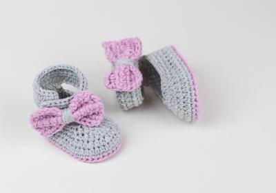 3. Sepatu Bayi Rajut