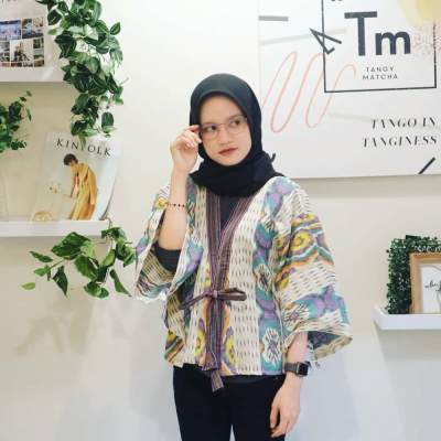 Ini 5 Inspirasi Model Baju Batik untuk ke Kantor, Dijamin Tetap Stylish!