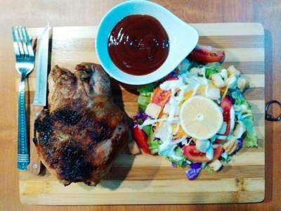 4. Ayam Panggang Oven Bandung