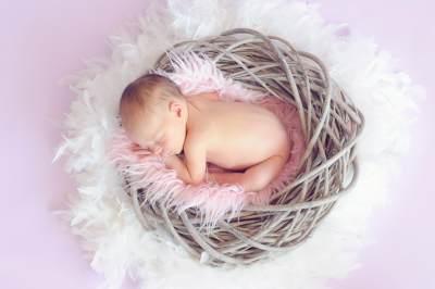 Mitos dan Fakta Bayi Prematur, Tak Bisa Diperlakukan Seperti Bayi Normal?
