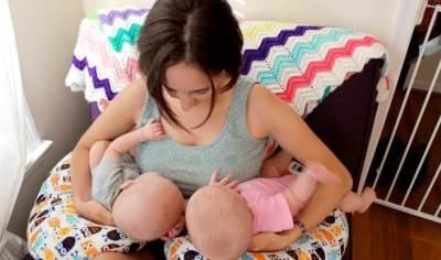 5. Ibu Melahirkan Bayi Kembar