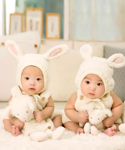 Kado yang Cocok untuk Bayi Kembar