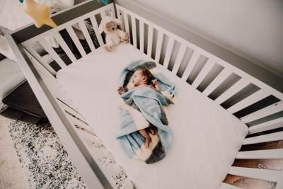 Tips Memilih Tempat Tidur Bayi, Perhatikan Bentuk dan Bahannya