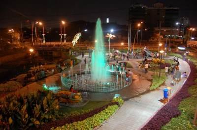 Taman Bungkul Surabaya Malam Hari