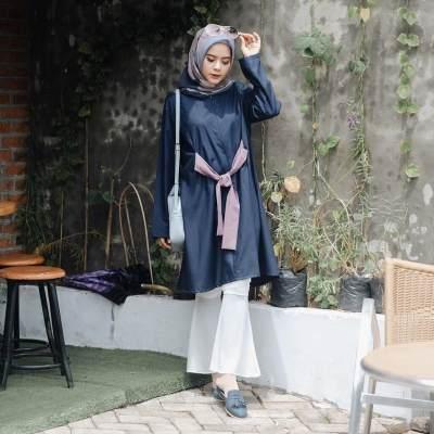 Bingung Pilih Kombinasi Baju dan Jilbab, Coba Intip Rekomendasi Ini Moms!