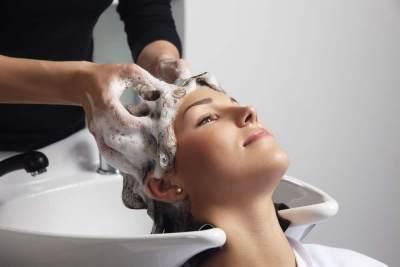 10 Masalah Rambut yang Bisa Diatasi Dengan Creambath, Apa Saja Moms?