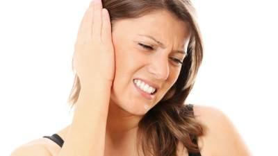 Percaya Firasat Telinga Berdenging? Simak Juga Penjelasan dari Sisi Medis, Moms