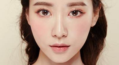 Cara memakai eyeliner putih ala Korea