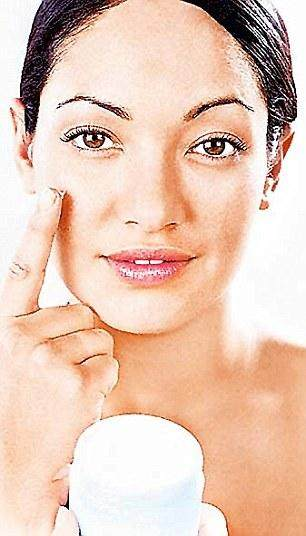 Kosmetik Jadul Favorit, Yuk Kenali Serba-Serbi Bedak Kelly