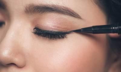 Susah Pakai Eyeliner Spidol? Yuk Simak Tips Ini Dulu, Moms!