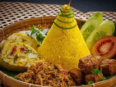Resep nasi kuning tumpeng