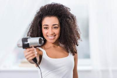 3. Cara Merawat Rambut Keriting Gantung