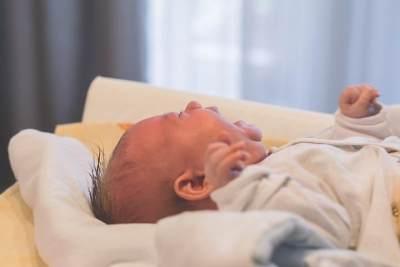Cara Mengatasi Bayi 5 Bulan yang Batuk Pilek
