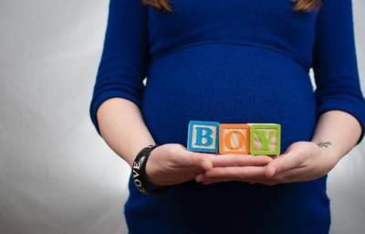 Kenali Tanda Hamil Anak Laki-Laki, Moms Bisa Lihat dari Wajah dan Bentuk Perut