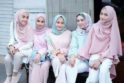 Tampil Beda dengan 5 Tips Padu Padan Fashion Wanita Cantik Berhijab