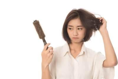 Kesal Karena Rambut Rontok? Coba Minyak Cem-ceman Mustika Ratu deh, Moms