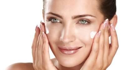 Cara Memakai Wardah Perfect Bright Tone Up Cream