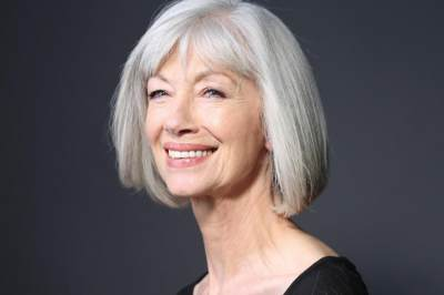 Penampilan Terganggu Karena Rambut Putih? Coba Cara Alami Menghilangkan Uban Ini