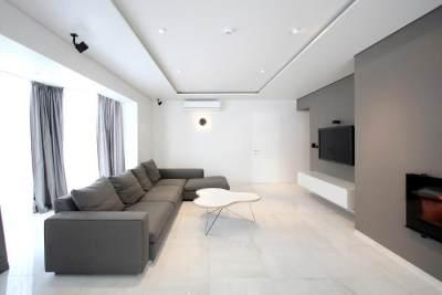 5. Interior dan eksterior sederhana