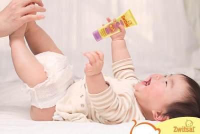 Moms Perlu Tahu, Ini Perbedaan Zwitsal Baby Cream & Lotion Serta Tips Pemakaiannya