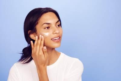 Ibu Hamil dan Menyusui Ingin Tetap Pakai Skincare, Cream Wajah yang Aman Seperti Apa Sih?