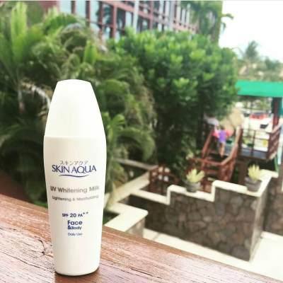 Skin Aqua UV Whitening Milk SPF 20 PA++