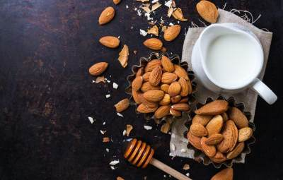 Tak Hanya Baik untuk Jantung, Kacang Almond Juga Bikin Pria Perkasa!
