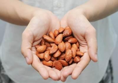 Manfaat Kacang Almond untuk Pria