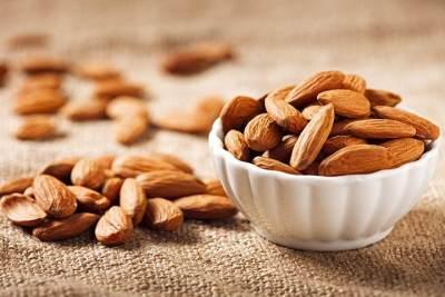 Bahaya Kacang Almond Pada Ibu Hamil, Cek Aturan Konsumsinya