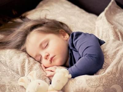 Nyamuk Mengganggu Tidur Si Kecil? Ini Cara Alami Mengusirnya