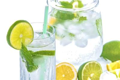 Diet dengam Jeruk Nipis? Cari Tahu Dulu Cara Minum dan Manfaatnya!