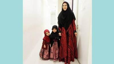 Tampil Cantik Saat Lebaran dengan Model Baju Gamis Terbaru, Intip Rekomendasinya Moms!