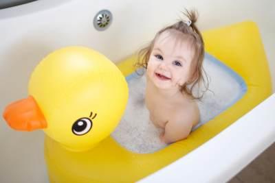 3. Menghangatkan Tubuh Bayi
