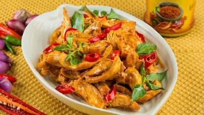Aneka Resep Ayam Suwir Bali, Enggak Kalah Sama Menu Restoran Lho Moms!